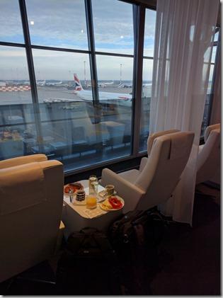 Aamun shampanjat lentokentällä